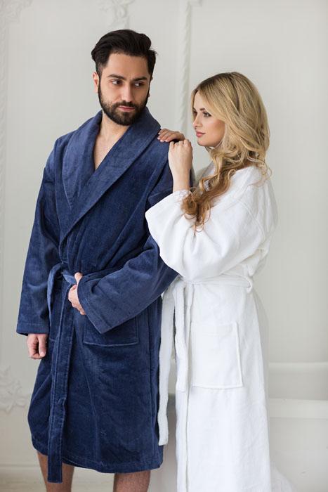 рекламная фотосессия для производителя халатов с вышивкой Культ Любить