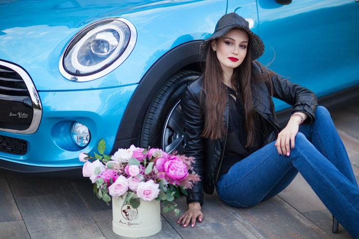 весенняя фотосессия в Ростове-на-Дону с машиной