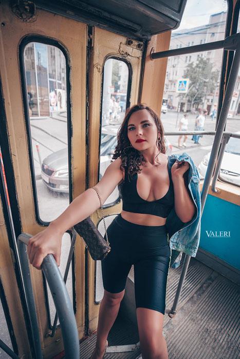 фэшн фотосессия в трамвае