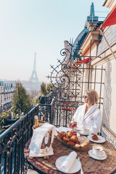 завтрак в Париже в отеле Plaza Athenee